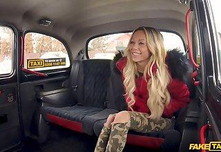 Shocking taxi fuck for hot blonde goddess Jennifer Amilton