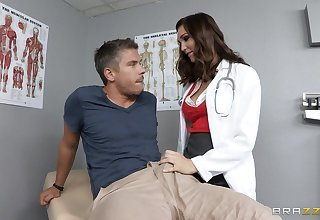 Doctor Holly Michaels in uniform loves connected with have deep anal sex