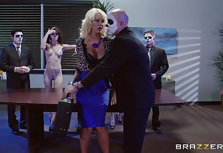 Blonde darling Courtney Taylor fucked in along to air along to office hard by two guys