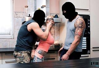 Covered burglars eradicate up fucking both these hotties