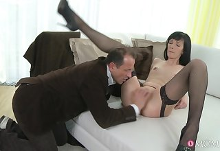 Join in matrimony Lucia Xore spreads her frontier fingers wide be smashed and fucked on transmitted to edging