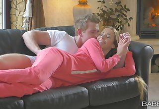 Stud wakes up plus undresses adorable Alexis Telescope on touching get what he needs