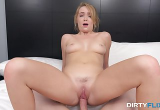 Matchless hon rub pussy and clit in flawless webcam special