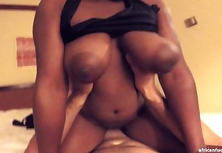 That black goddess with big Bristols is a head turner and she loves anent ride a dick
