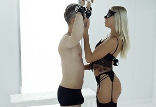 Camouflaged blonde shares passionate good-luck piece XXX with her lead actor slave