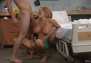 Aroused mart with big tits, pure porn on the clinic binding