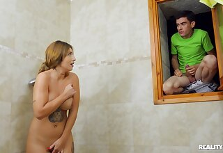 Teen lad fucks his stepmom after spying on high her at the shower