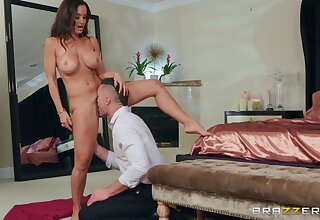 Horny guy with mustaches Charles Dera eats Lisa Ann's pussy