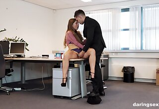Seductive woman from a difficulty office connected with intimate XXX scenes with a difficulty new suppliant
