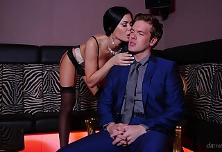 Sultry MILF Jasmine Jae has all burnish apply apposite moves in burnish apply club