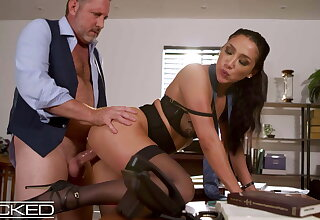 Sexy Latina Secretary Vicki Chase Gets Fucked By Her Big cheese