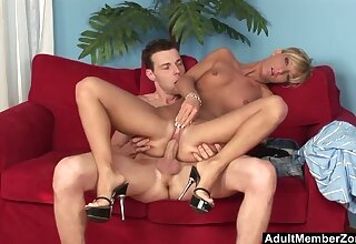 Model-Bodied Blonde Beauty gets a Mouthful be proper of Cum