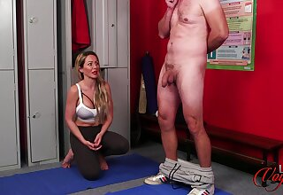 Mere man jerks off while Lucy Kemp drops her clothes to tease