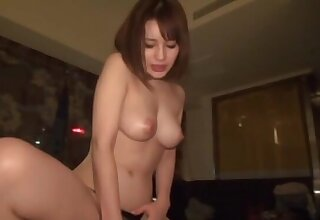 Homemade video with an amateur chick giving a handjob & a blowjob