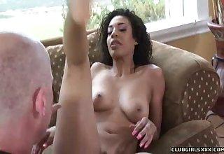 Desiree Diamond knows ho to make a man's cock pulsate