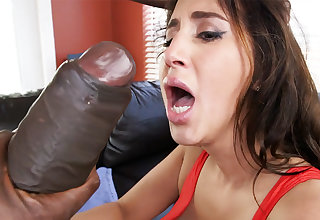 Latina rescuer get an orgasm from monster dick