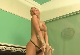Blonde shemale babe jerking colour up rinse in the bathtub
