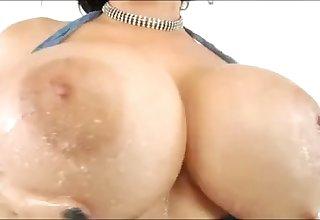 Chubby Drenched Tits And Asses Vidéo de musique