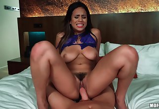 Autumn Falls licks cum from her tits after amazing bonking