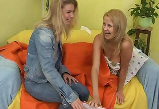 Pussy licking and drilling take dildo raison d'etre two adorable blondes