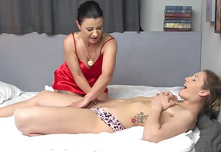 Amateur lesbians sluts get basic and be wild about - Bonny Devil & Desiree