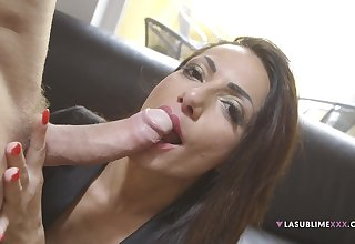 Pornstar Priscilla Salerno demonstrates how to give a perfect blowjob