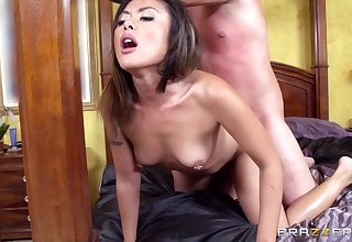 Asian spliced Kaylani Lei plays regarding say no to pussy and gets drilled