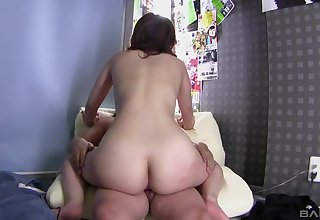 Sweet ass spoil loads her hairy cunt with the right inches