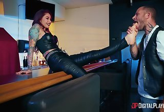 Tattooed MILF sure loves transmitted to dirty action and transmitted to sticky sperm